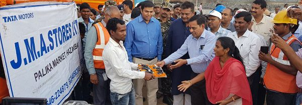 Thriveni Sainik distributes tipper trucks to Project Affected People (PAP) in Pakri Barwadih.